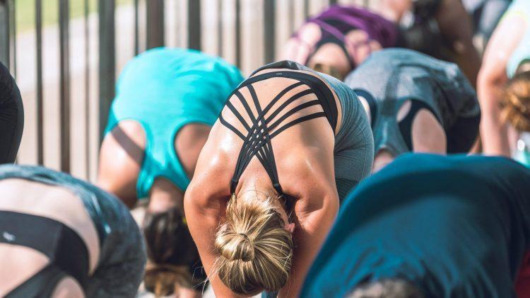 Waarom is yoga zo duur?